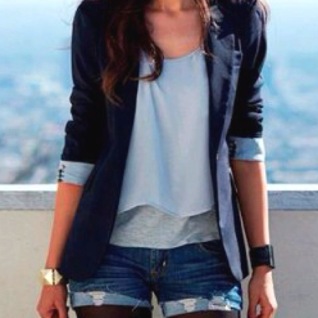 Shorts and blazer. Come on, summer!