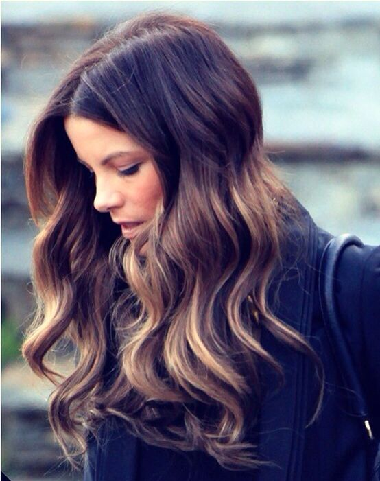first of all balayage. second of all kate beckinsale is perfect even if her hair was made of a yarn mop.
