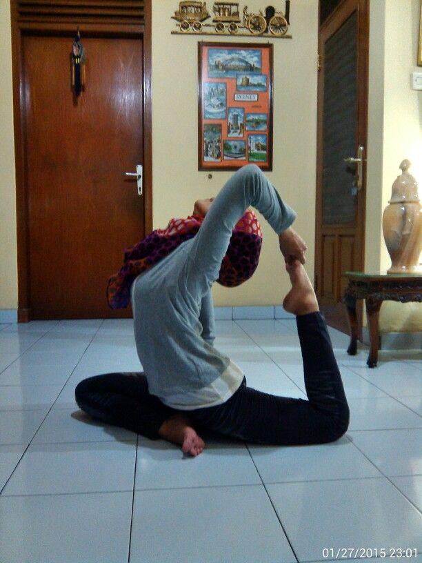 Still working on it… #Namaste #Yoga Practice #Strecthing #Flexibility #OneLeggedKingPigeonPose