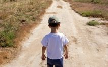 At what age can kids walk to school alone?