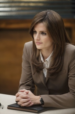 Stana Katic is is gorgeous! Add to that, Kate Beckett's intellect and smartness and you have a woman who inspires :) Especially love her outfits. They're so classy and wearable. #KateBeckett #StanaKatic #Womenwhoinspire