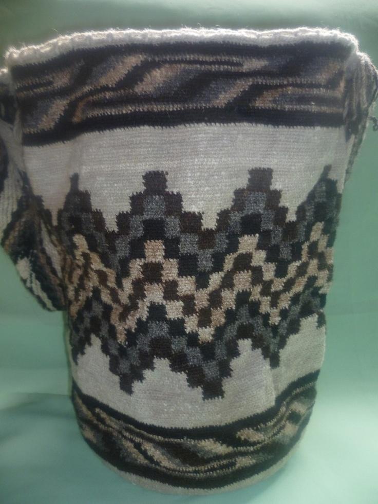 ► Exhibición de Mochilas Arhuacas en lana de ovejas - Mochilas arhuacas ¡Fomentando el arte del pueblo Arhuaco!