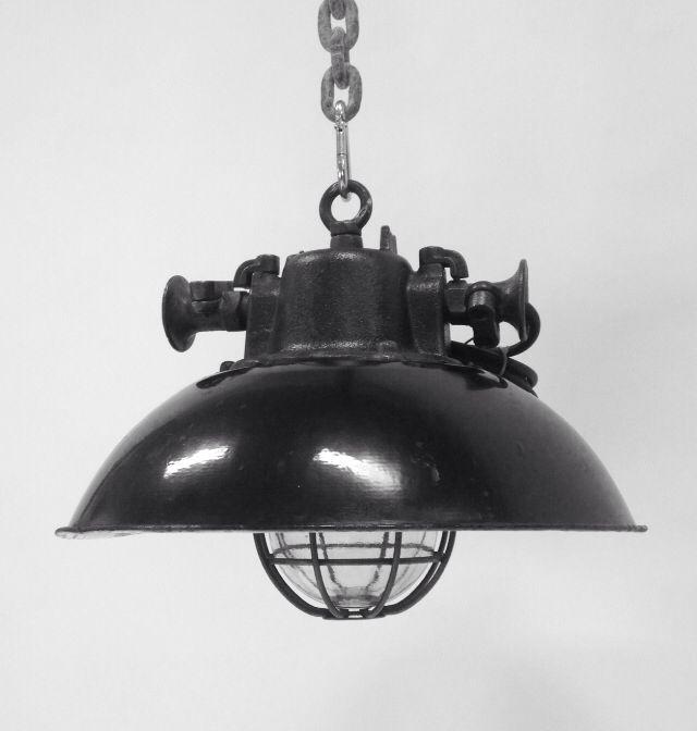 Zeldzame industriële lamp uit Slowakije! Prachtig..