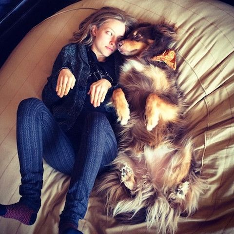 Amanda Seyfried & her dog Finn <3 we need to take pictures like this