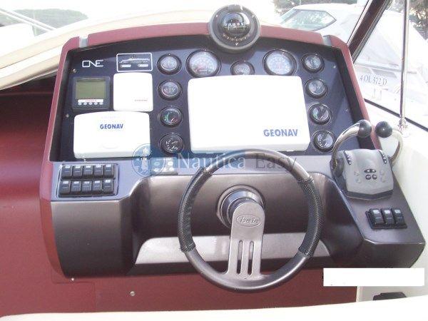 Baia One del 2006 prodotto dalla Baia Spa. Lunghezza 12,57 m., Due motori Yanmar diesel con potenza massima d'esercizio 333x2 kw - Attrezzatura completa
