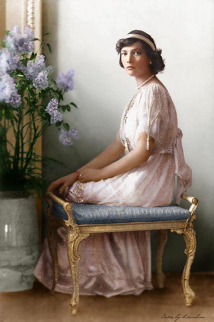 Grand Duchess Tatiana of Russia. I love this picture of the Grand Duchess. She looks so elegantly beautiful.
