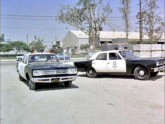 Pin By Ernest Somogy On Service Vehicles Police Cars Us Police Car Car Cop