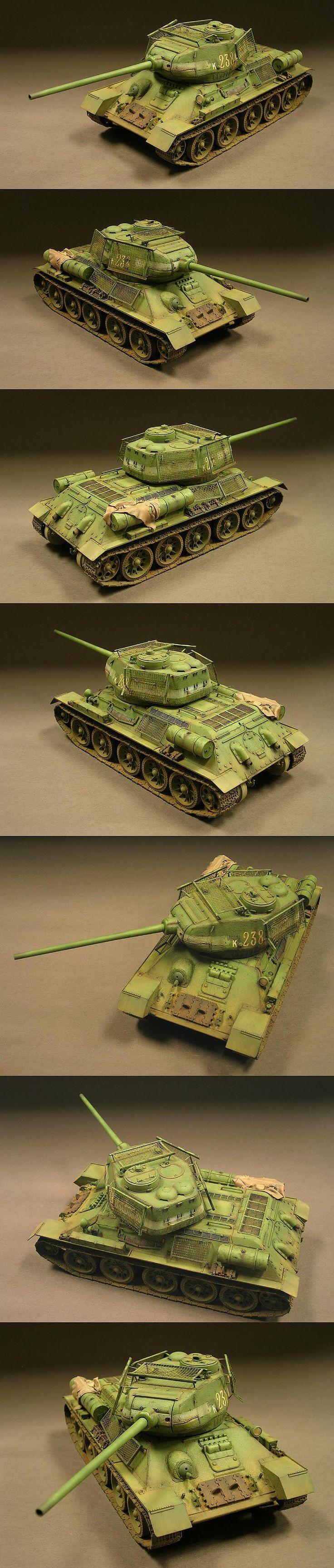 Russian T34/85 1/35 Scale Model