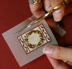 Dollhouse needlepoint tutorial -