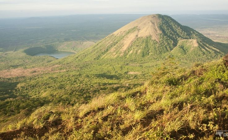 Vue au sommet du mont El Hoyo  la fin d'une journe d'excursion sous le chaud soleil du Nicaragua