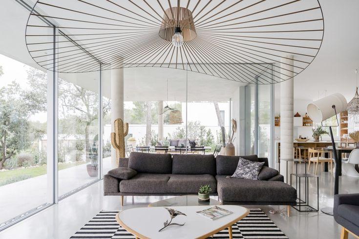 10 salons lumineux avec des baies vitrées