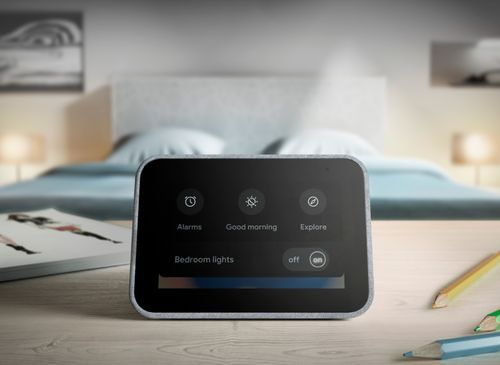 Wake up and start your day with this Lenovo smart clock. Wi-Fi connectivity and Google Assistant integration let you use voice commands to play music, check schedules and control smart home devices. This Lenovo smart clock offers hundreds of audio and media alarm options so you can choose how to wake up. Smart Home, Wifi, Cool Things To Buy, Clock, Audio, Play, Connect, Base, Personal Care