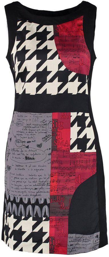 Pin for Later: Auf die Einkaufsliste: 17 früh-herbstliche Kleider Desigual Kleid Desigual Kleid (109,95€)