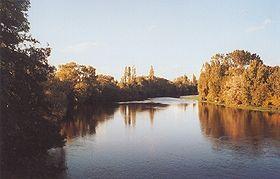 La Vienne à Cubord, sur la commune de Valdivienne.Vienne (rivière française) sur Commons