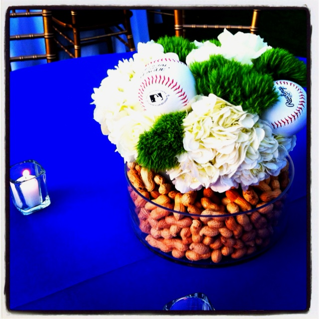 Baseball party @Karen Jacot Hillman centerpiece
