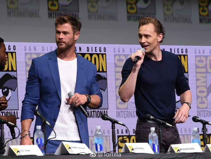 Tom Hiddleston at San Diego Comic-Con on 22 July 2017. Tom and Loki.