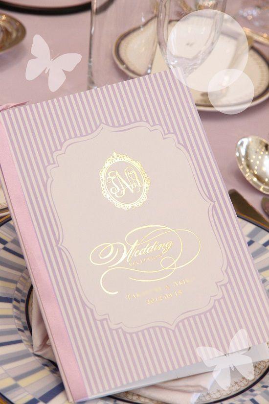 ラベンダー、ピンク、シャンパンゴールドの組み合わせが上品フェミニン♡ セクシーなパープルの席次表まとめ。結婚式の席次表デザイン一覧。