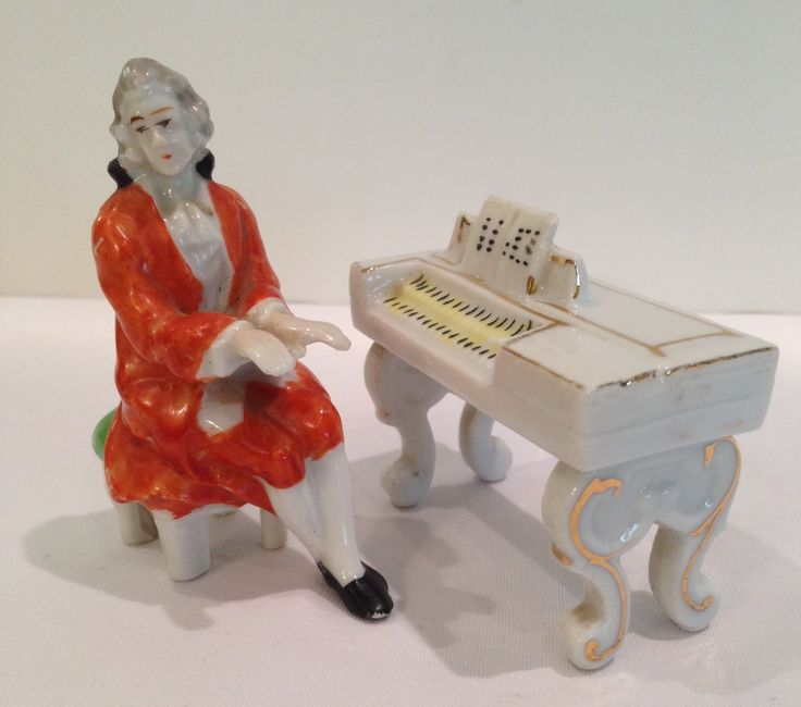 Occupied Japan Miniature Piano And Player Porcelain