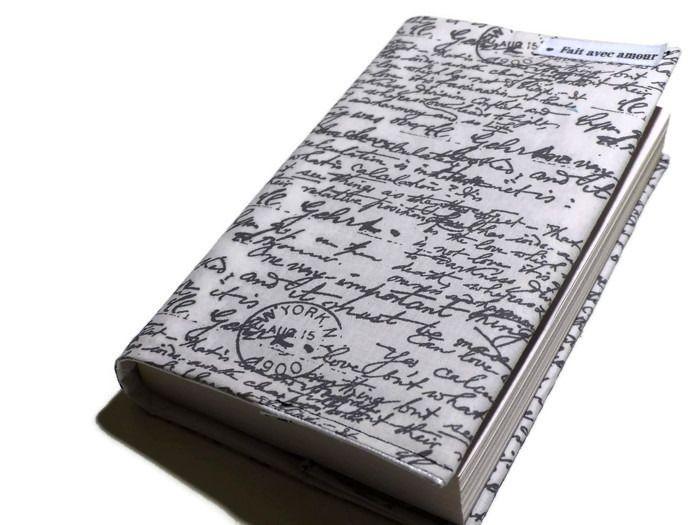 protège livre en tissus vintage style vieilles écritures de cartes postales : Autres papeterie par le-chas-inspire