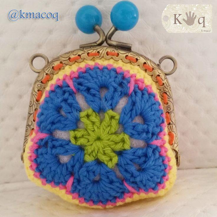Monedero a crochet en forma de flor