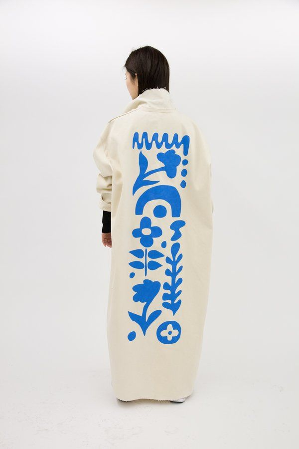 Hand painted coat by Portland-based artist Studio Hecha - Minimalist canvas coat made by Marfa-based designer Ashley Rowe - One Size fits most, looks great oversized and can easily be hemmed if desired - Model is 5'3'' and typically wears an XSmall - Open front, no closure - All edges raw - Fabric:100% Cotton