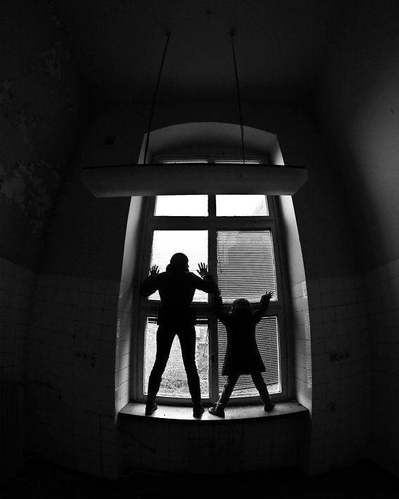 Escape  #wroclovers #wroclove #igersworld #igerseurope #igerspoland #igerspolska #instagram #igers #instagramers #window #okno #instashot #photooftheday #wroclaw #wrocław #canon #photo #eos #canoneos #canon5d #canoneos5d #blackandwhite #bw #blackandwhitephoto #szpital #abandonedhospital #hospital
