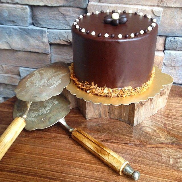 Bitter çikolatalı sevenler için :) #gunaydin #good #morning #bitter #cikolata #pasta #cakes #butik #butikpasta #ortakoy #istanbul #kisiyeozel #yeni #siparis #yum #like #follow #takipet #tagsforlikes