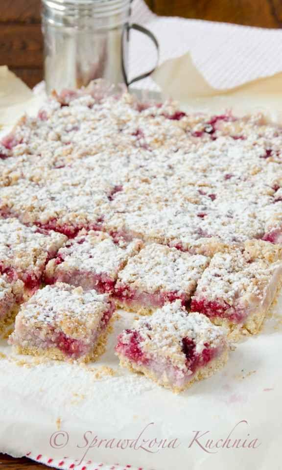 Kruche ciasto z malinami i kokosem – bezglutenowe
