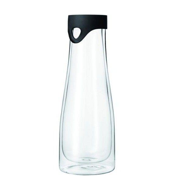 """Die hitzebeständige Wasserkaraffe """"Primo"""" von LEONARDO darf in Ihrem Küchensortiment nicht fehlen: Aus mundgeblasenem Glas gefertigt, sorgt sie für eine stilvolle Tischkultur! Ein Silikondeckel in Schwarz und ein Ausgießer ergänzen den ca. 28 cm hohen Glaskörper mit Isolierfunktion für Heiß- und Kaltgetränke. Einfach praktisch!"""