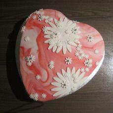 hart met bloemen taart