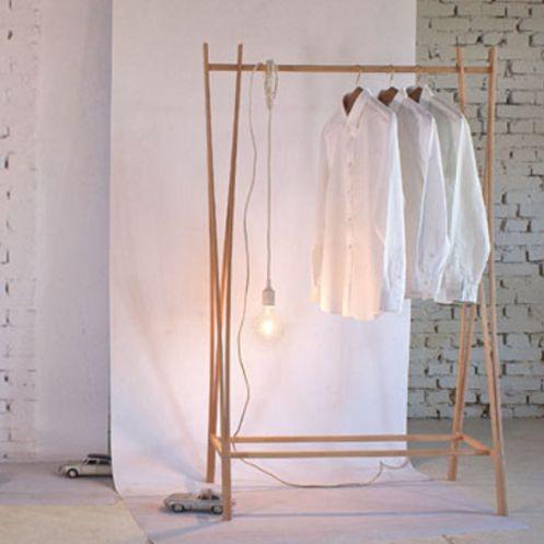 zilio tra-ra tøjstativ i træ  clothes hanger køb i areastore.dk