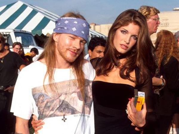 Axl Rose & Stephanie Seymour.. ahh those were the days… GNR