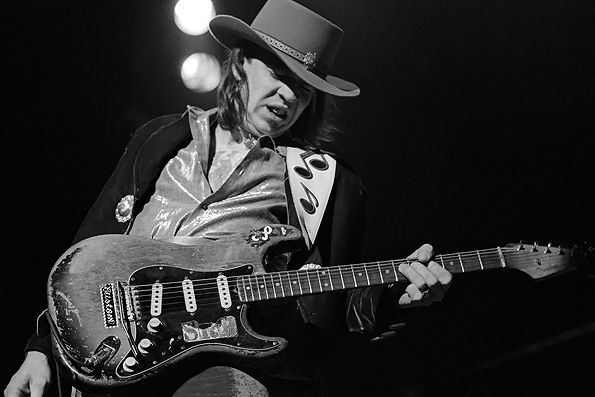 Stevie Ray e sua guitarra preferida, a 'Number One'. Blues elétrico e amor por Hendrix.