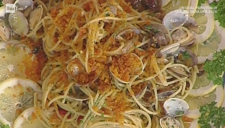 """La ricetta degli spaghetti mare e monti a modo mio di Hiro Shoda del 22 maggio 2017, a """"La prova del cuoco""""."""