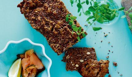 Glutenfritt brød - grovbrød med kastanjemel og mandler   I FORM