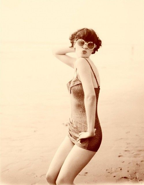 : Vintage Swimsuits, Girls Crushes, Vintage Bath Suits, Style Icons, Pin Up Looks, Zooeydeschanel, Zooey Deschanel, Vintage Inspiration, Ellen Von Unwerth