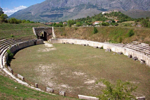 Alba Fucens - Isolated Roman ruins in the heart of #Abruzzo