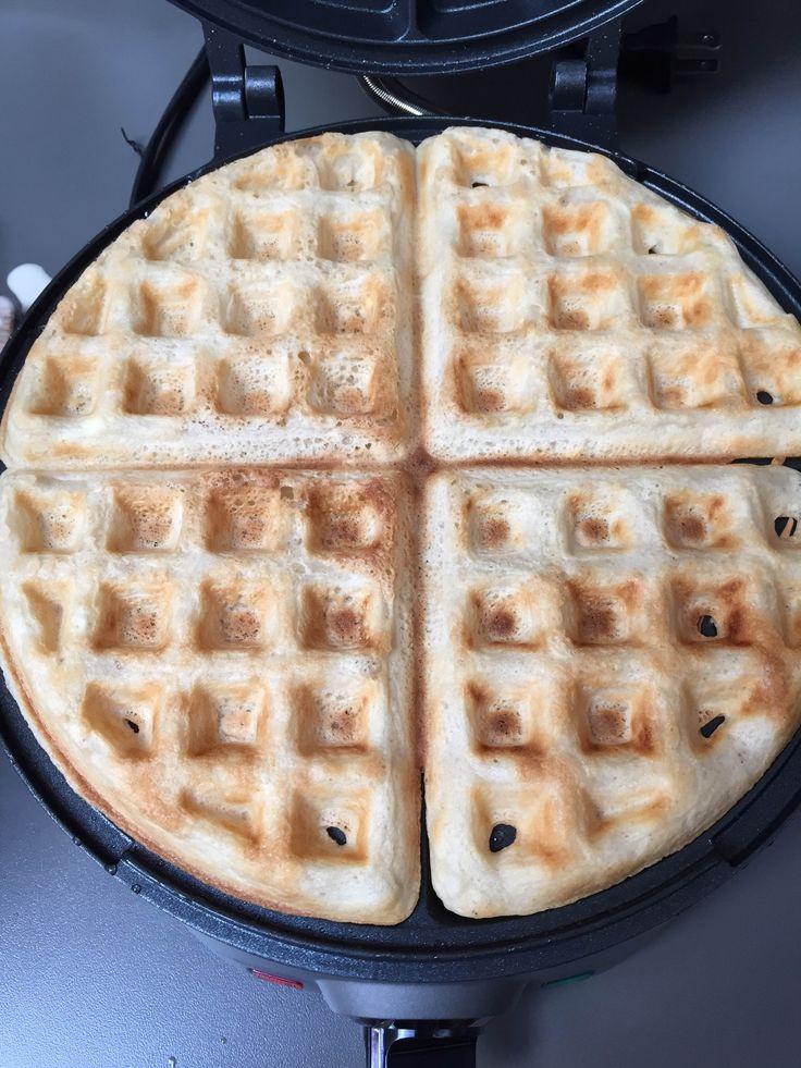 Vegan waffles using aquafaba