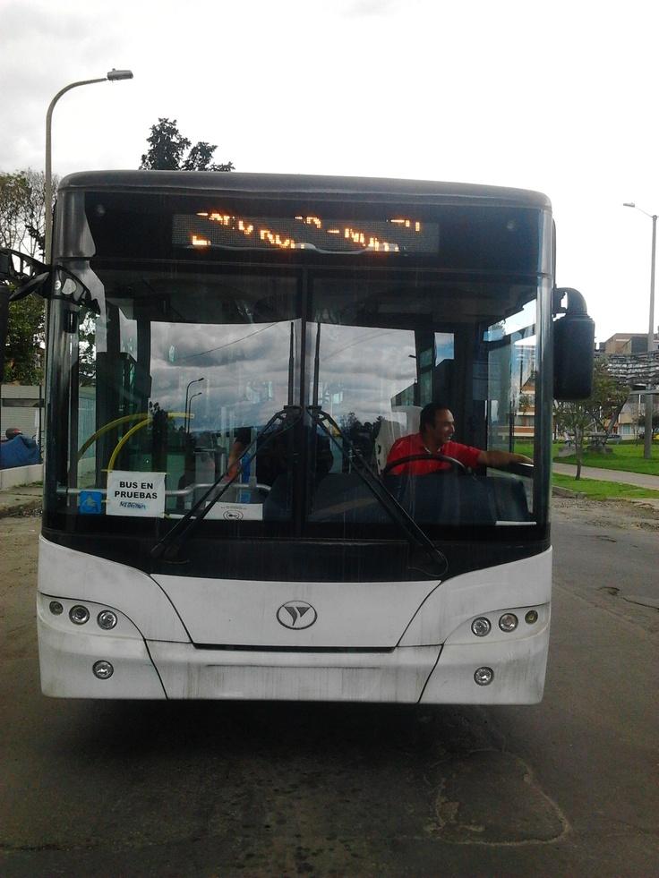 Avanzan pruebas con nuevas tecnologias en #Bogota #vehiculos #hibridos para el #SITP. Este es el camino correcto