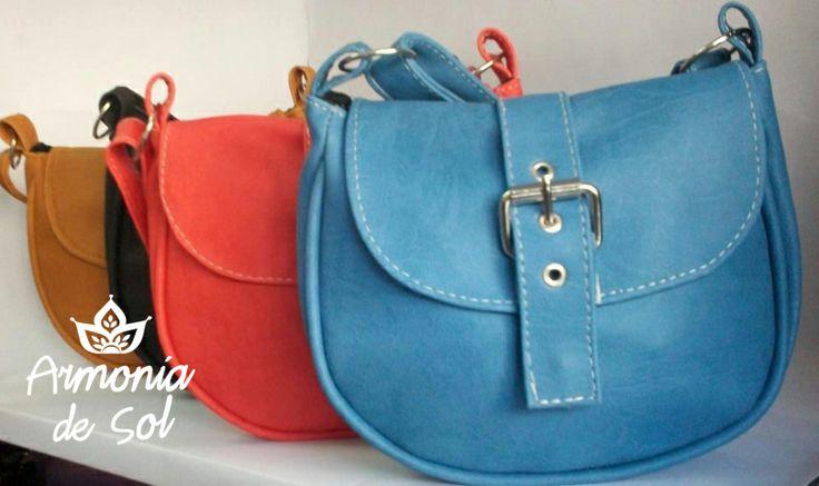Art. 12-26 Colores: rojo - azul - negro - coral - celeste - suela - camel - turquesa c/rosa - blanco c/fucsia - blanco c/negro