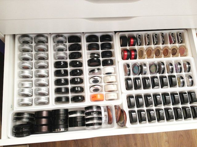 Use Ice Trays for Makeup Storage
