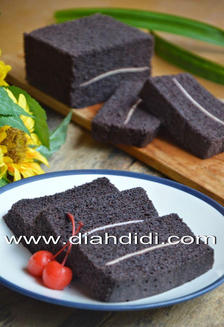 Diah Didi's Kitchen: Cake Kukus Ketan Hitam Lapis Keju
