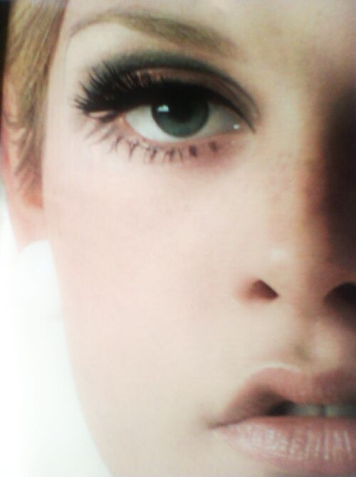 Twiggy - SO hot when I was a pre-teen, we all wanted to be stick thin with nude lips and LOTS of lashes.