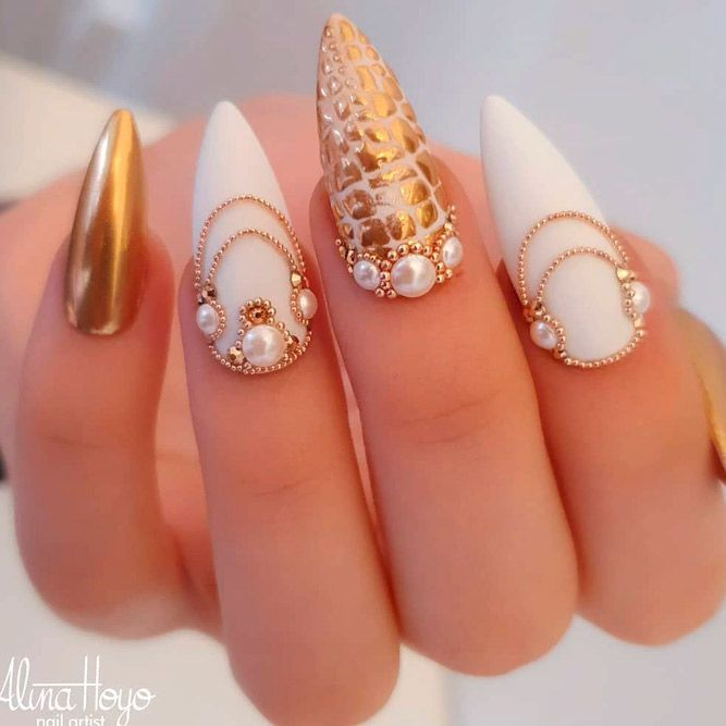 39 Exquisite Ideas Of Wedding Nails For Elegant Brides Dragon Nails Gold Nails Almond Nails Designs