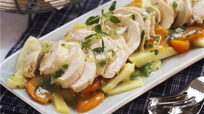 MatPrat - Posjert kyllingfilet med rotfrukter og urtesaus