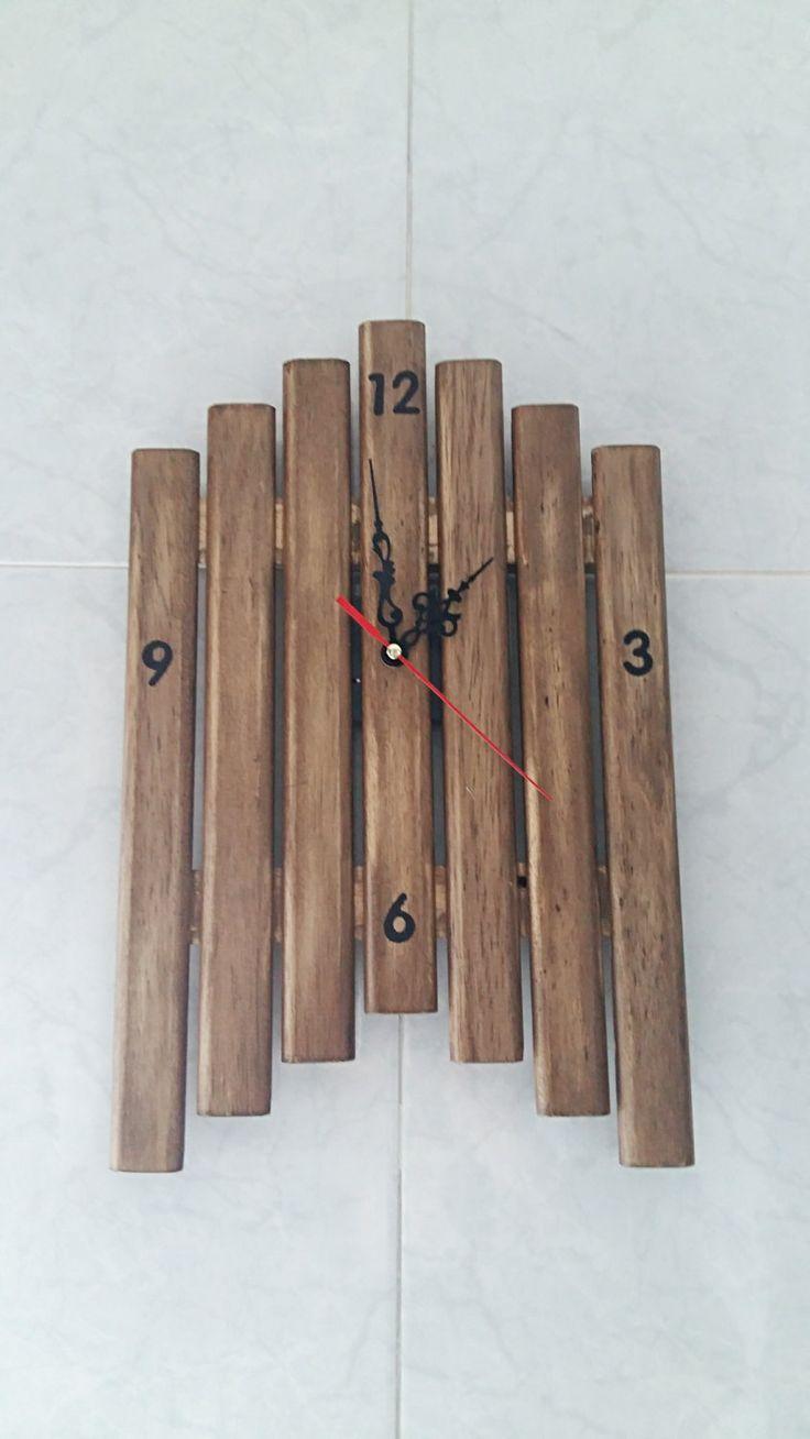Wooden clock, Wooden wall clock, Kitchen wall clock, Home decor, Handmade wall clock, Rustic clock, de tossart en Etsy