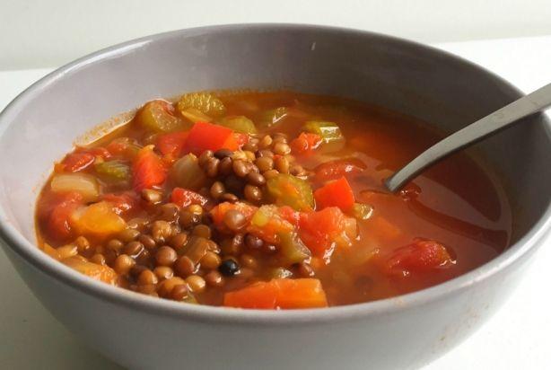 Linzensoep met paprika; zelf toevoegen: wortel, gember en zoete aardappel