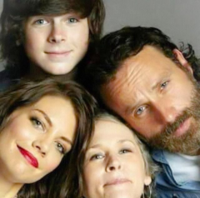 This is the most non depressing picture of TWD characters I've ever seen...