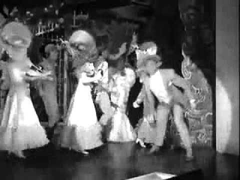 Yankee Doodle Dandy (James Cagney, Joan Leslie, Walter Huston and Richard Whorf - 1942) - Yankee Doodle Dandy