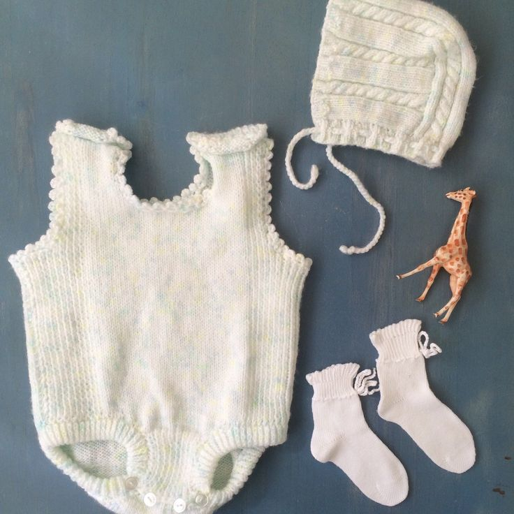 This sweet vintage baby outfit is available in the shop Happy Mothers Day❤️